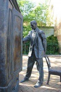 C. S. Lewis (Statue, Belfast)